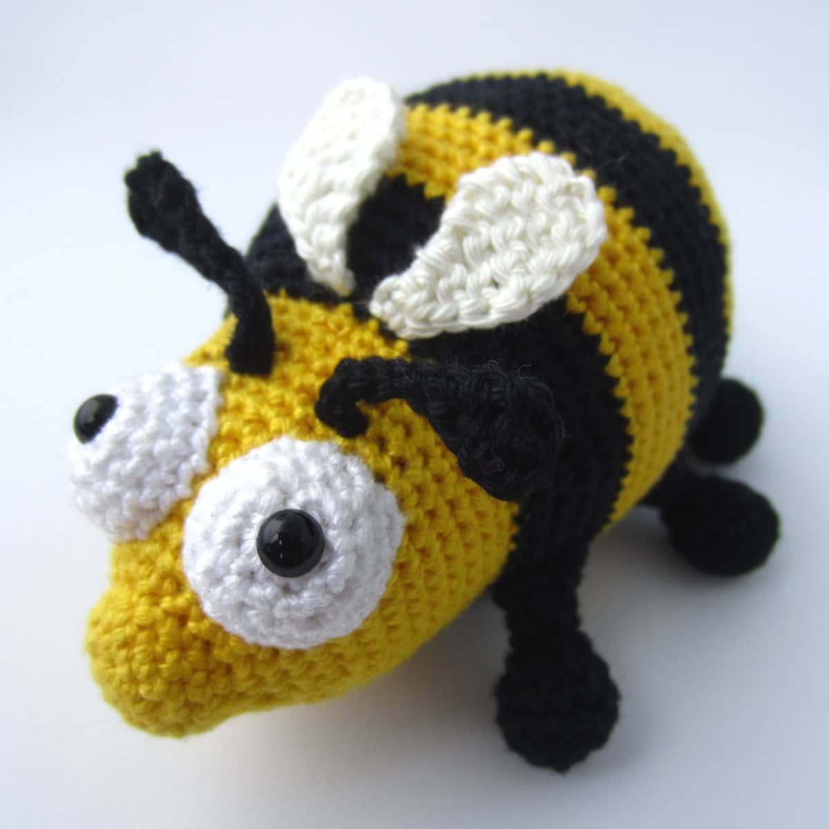 "Amigurumi Crochet Bee Pattern – ""The Chubby Bee"""
