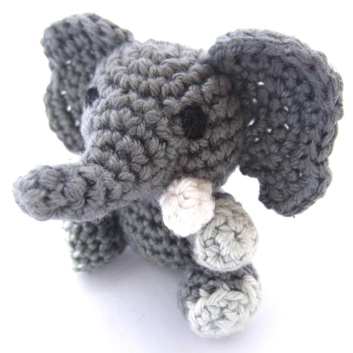 amigurumi crochet elephant pattern supergurumi. Black Bedroom Furniture Sets. Home Design Ideas