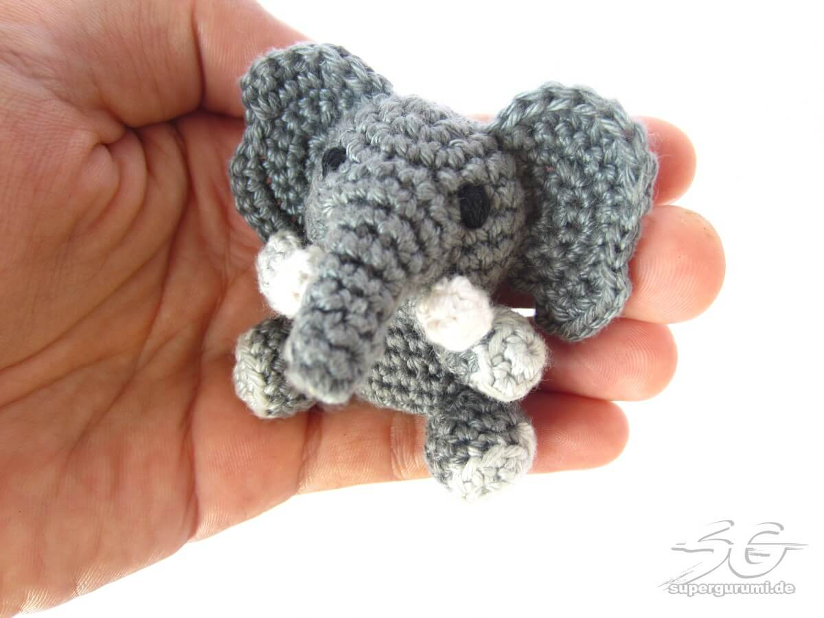 amigurumi crochet elephant pattern supergurumi. Black Bedroom Furniture Sets. Home Design Ideas