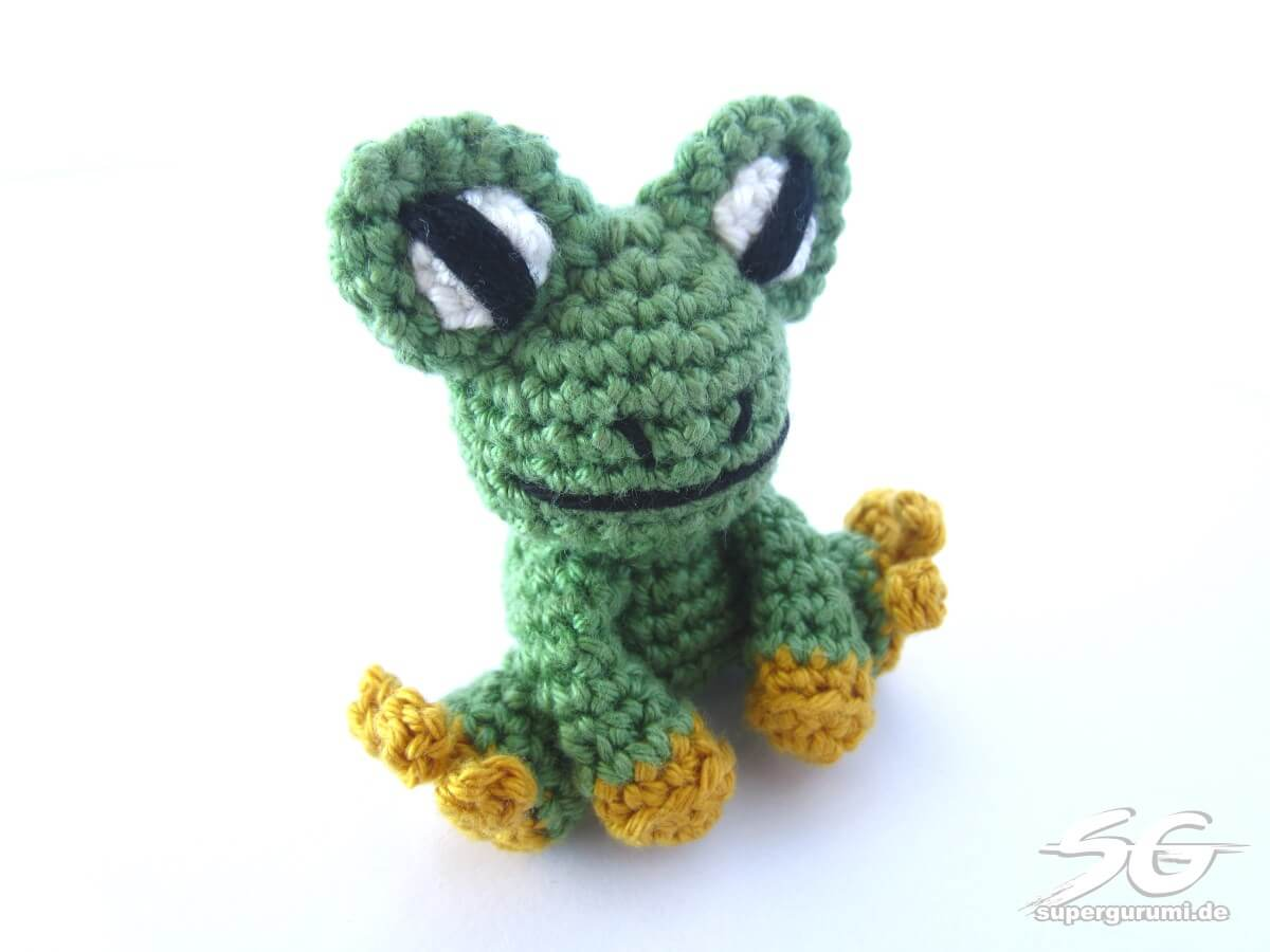 amigurumi crochet frog pattern supergurumi. Black Bedroom Furniture Sets. Home Design Ideas