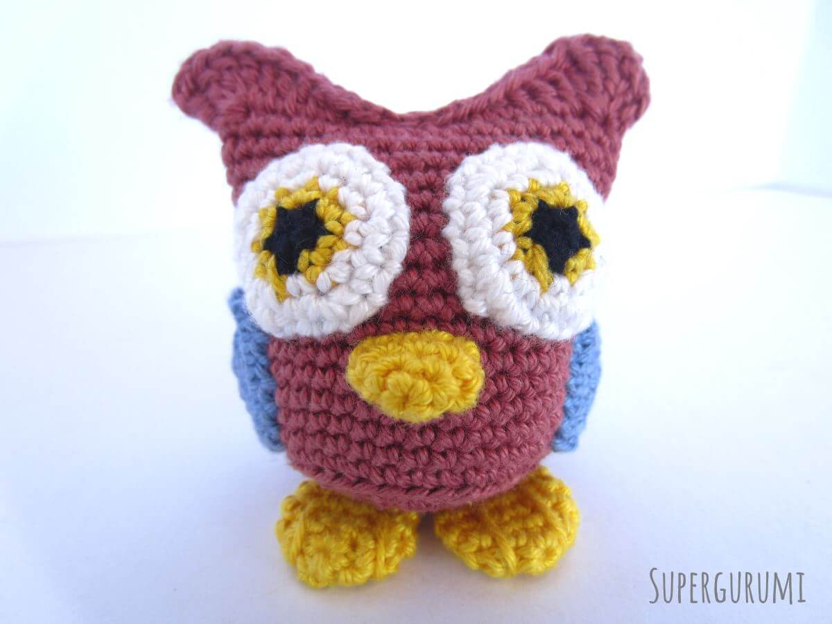 FurlsCrochet | March Amigurumi CAL Part 1 of 3 - American Robin | 900x1200
