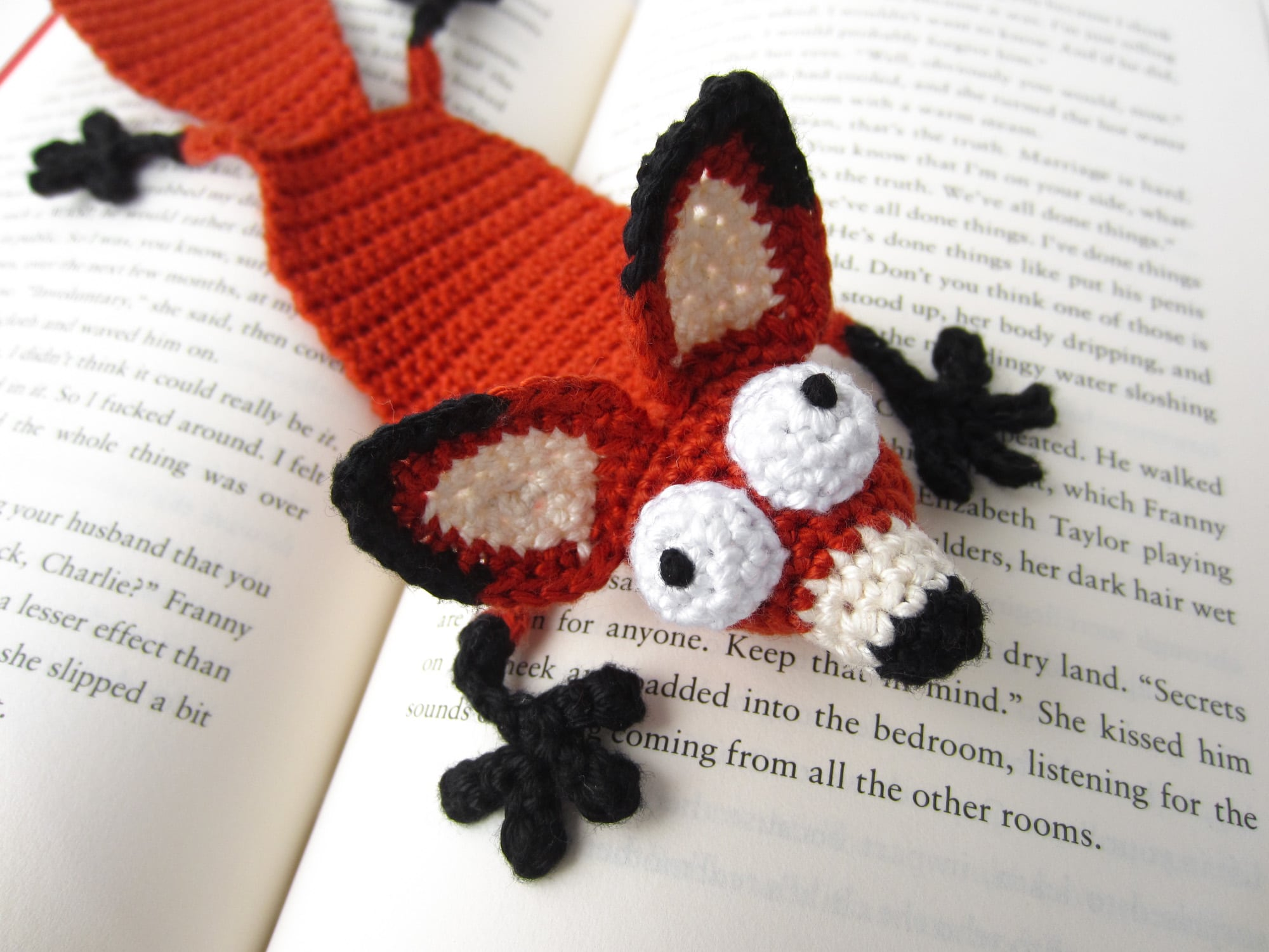 Mystique the Fox | amigurumi fox crochet pattern | lilleliis | 1500x2000