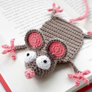 "Amigurumi Crochet Mouse Bookmark – ""Book Mouse"""