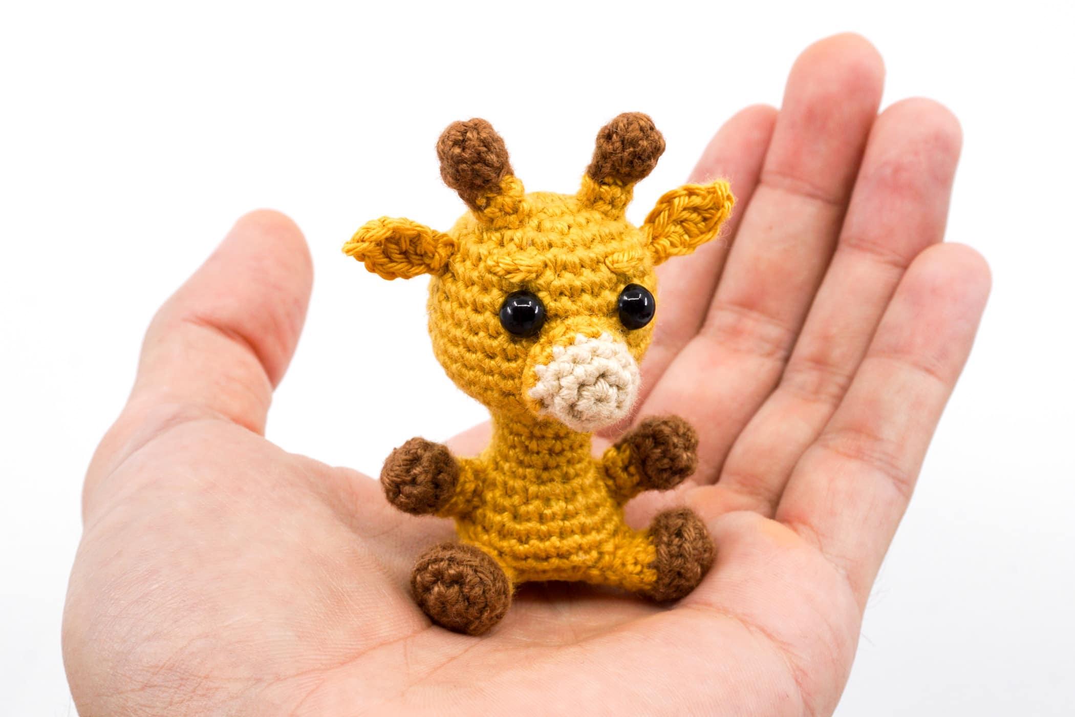 Crochet plush toy giraffe amigurumi   Amiguroom Toys   1400x2100
